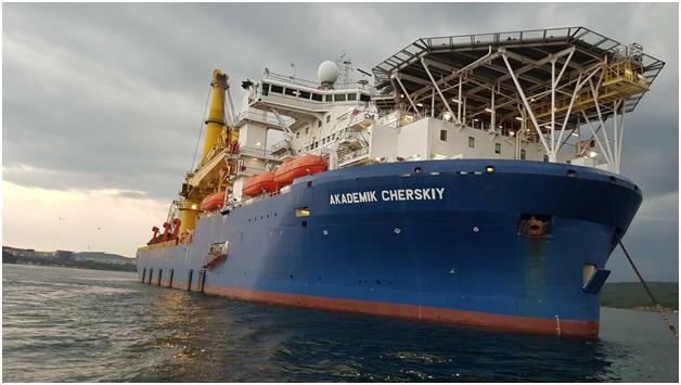 Трубоукладчик Газпрома для «Северного потока-2» взял курс на Калининград