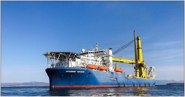 Трубоукладчик Газпрома прибыл в немецкий порт