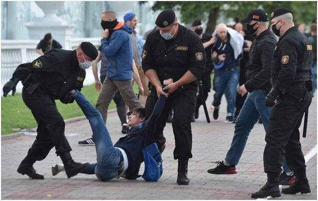 Варшава берёт на содержание независимые белорусские СМИ и НКО