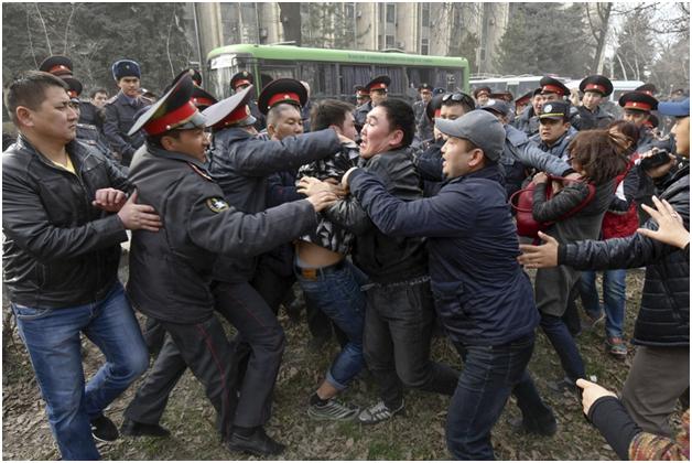 Киргизский президент ушёл в отставку