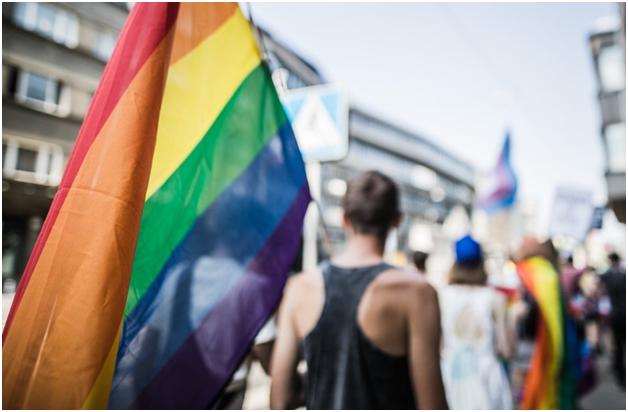 В Эстонии требуют узаконить однополые браки