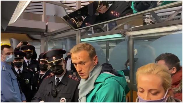 Коллективный запад негодует по поводу задержания Навального
