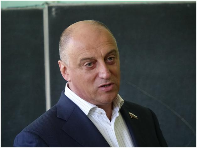 У высокопоставленного единоросса конфисковали 38 млрд рублей