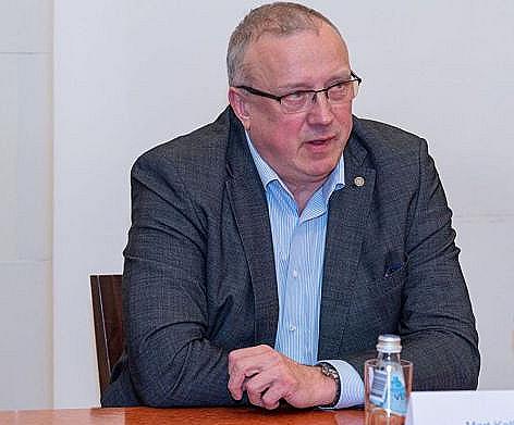 Эстонский депутат назвал русскоязычных жителей республики человеческим мусором