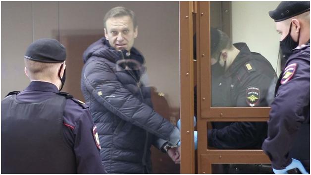 ЕСПЧ потребовал от России «незамедлительно» освободить Навального