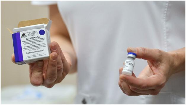 США и европейский регулятор начали вакцинную войну против России