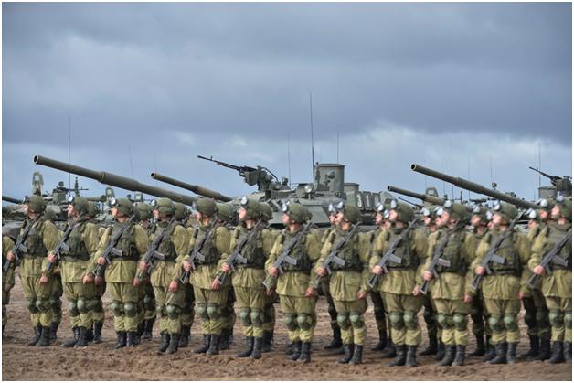 Шойгу: Россия создаст в Западном военном округе 20 новых соединений и частей
