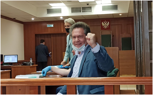 Суд в Москве вынес приговор известному российскому политологу