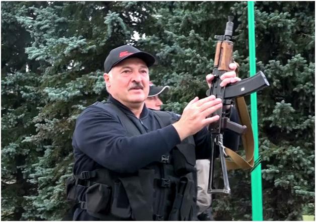 Люксембургский министр призвал предать Лукашенко международному суду