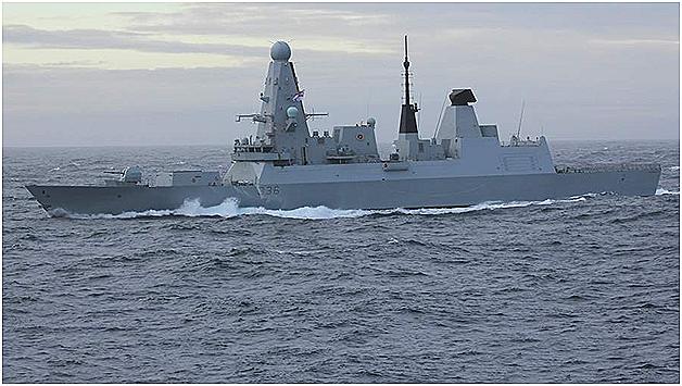 Россия преградила путь британскому эсминцу предупредительным бомбометанием