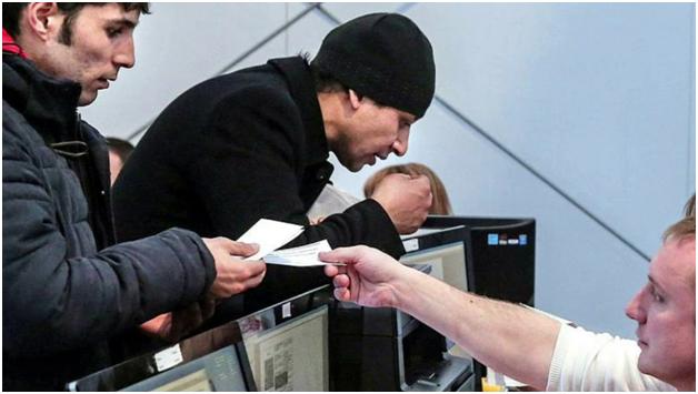 Социалисты предложили ввести налог на денежные переводы мигрантов
