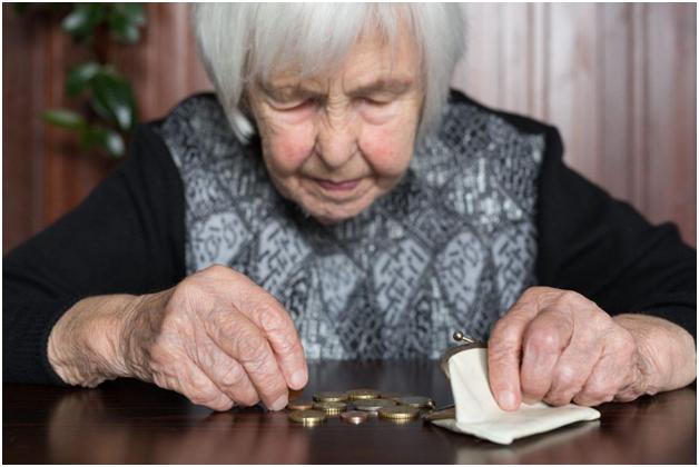 «Вместо положенной индексации работающие пенсионеры получили от государства на чай»